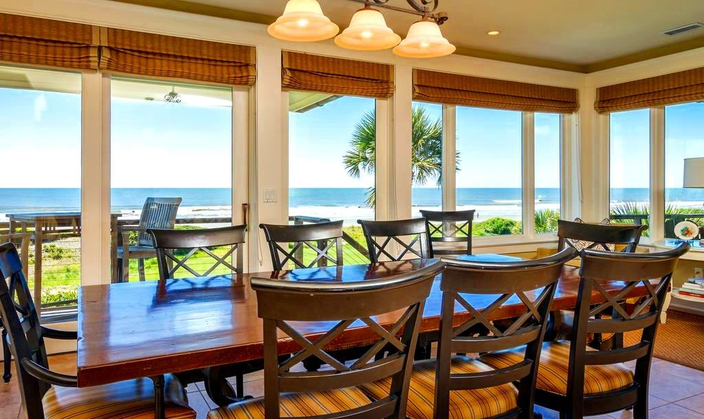 holiday dining table on Kiawah